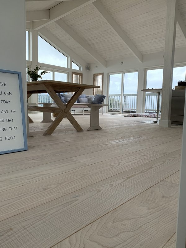 Band Sawn Natural White Ash Engineered Flooring