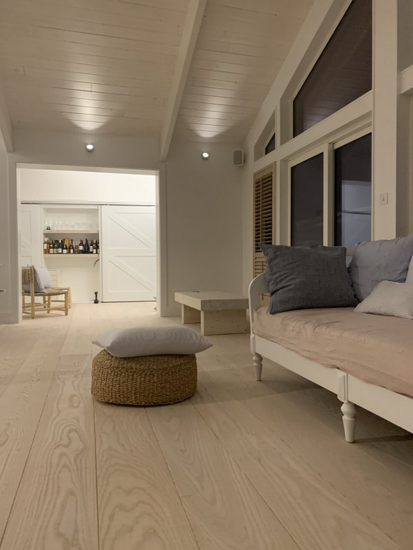 Engineered Natural Ask Flooring - Band-Sawn - rippled, texture Coastal interior