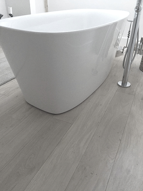 Natural Oak Engineered T & G  Flooring. No Yellowing