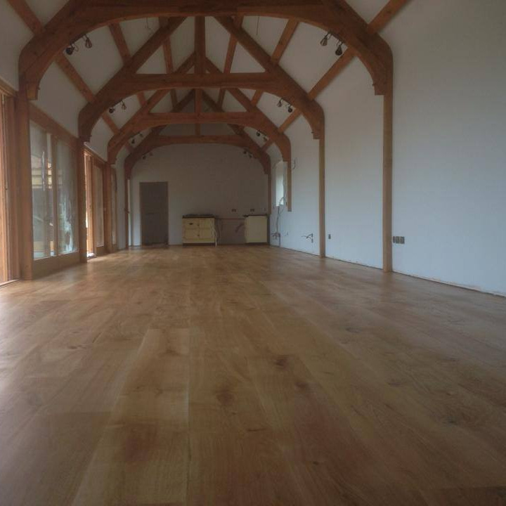 Pippy Select Oak engineered flooring