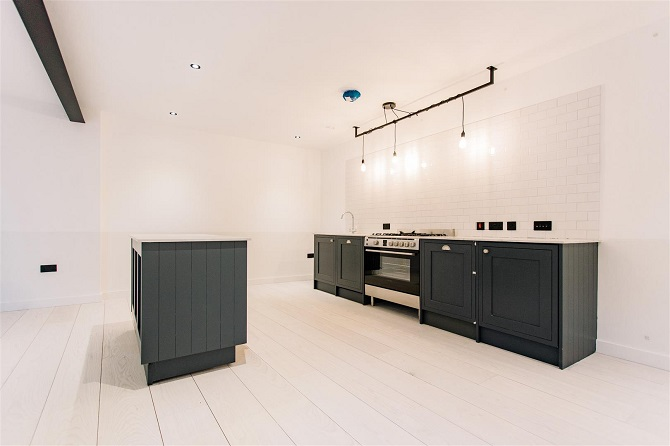 Minimalist style Engineered White Ash flooring at Font Hill Mews London