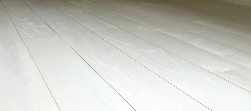 white limed stain oak engineered flooring
