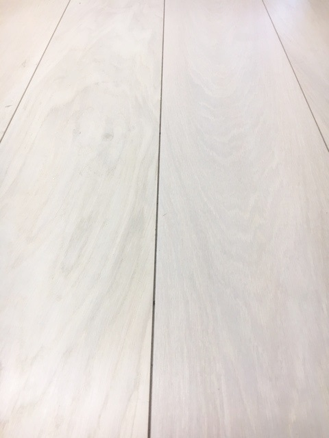 Whitewashed Oak engineered flooring uk manufacturer